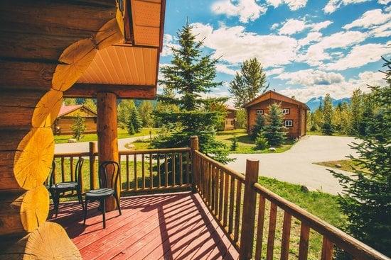 family-cabin-outside