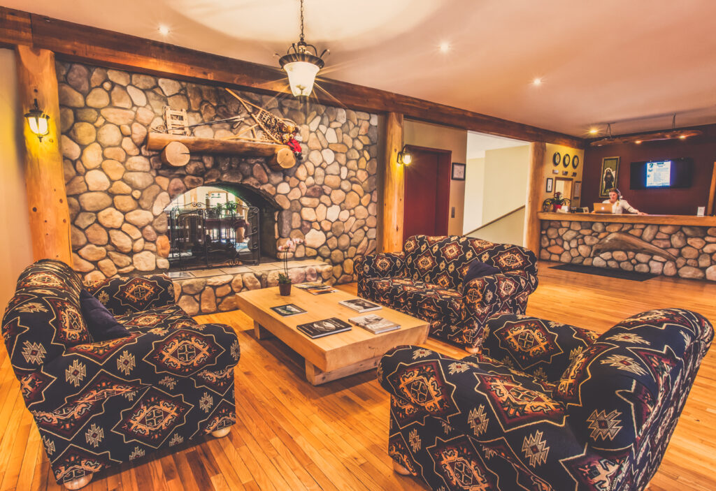 glacier-house-resort-lobby