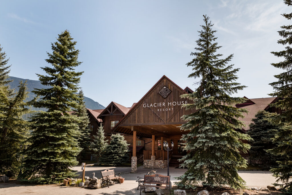 canadian-mountain-lodge-resort